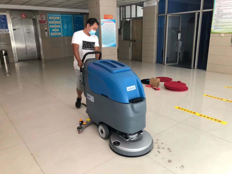 车站全自动洗地机助力保洁消毒
