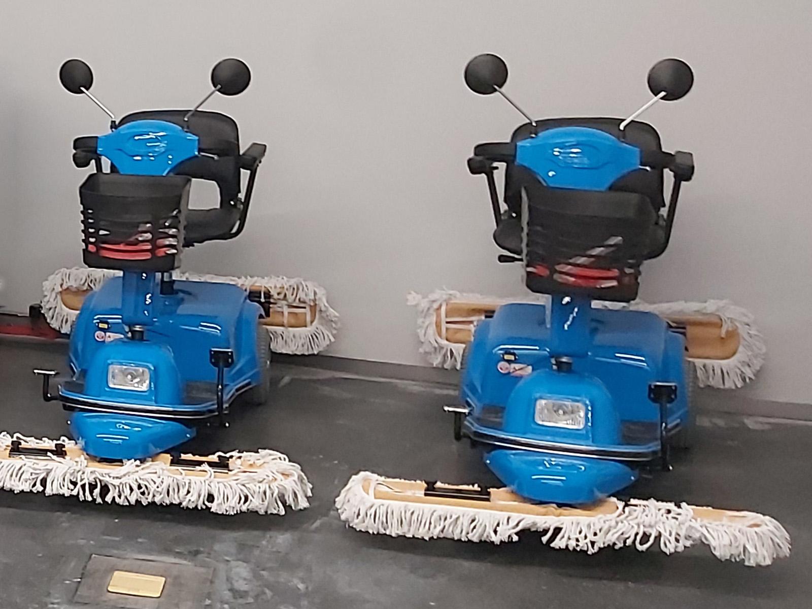 电动驾驶尘推车的使用优点