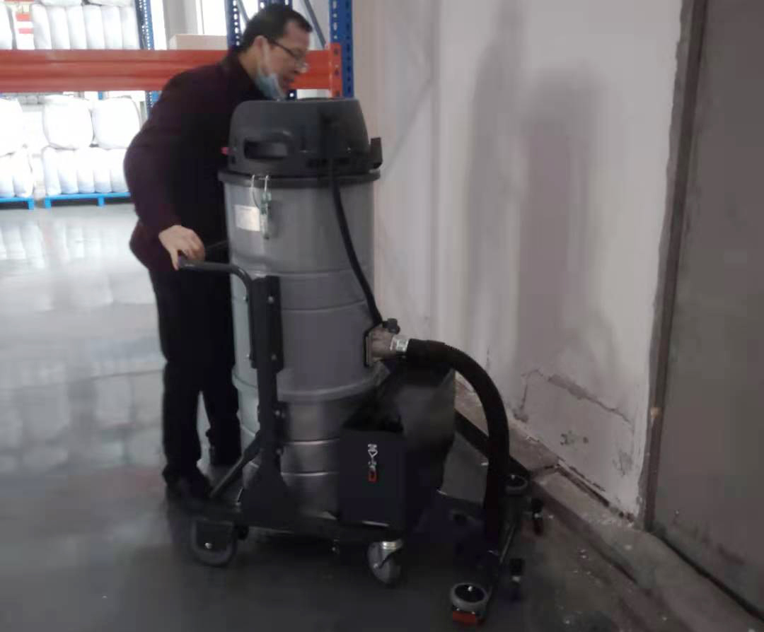 成都宏雯工业用吸尘器