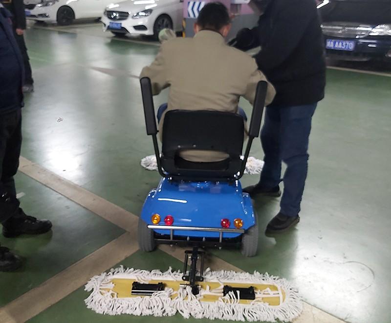 商城广场选购电动尘推车