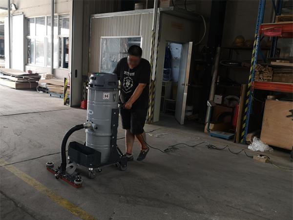 大功率工业用吸尘器的维护保养